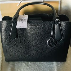 💥Michael Kors Kimberly Large Leather Satchel💥